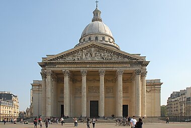 must visit historical places in france sygic travel