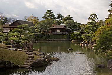 Asia Palacios Continent:4 on Shugakuin Rikyu
