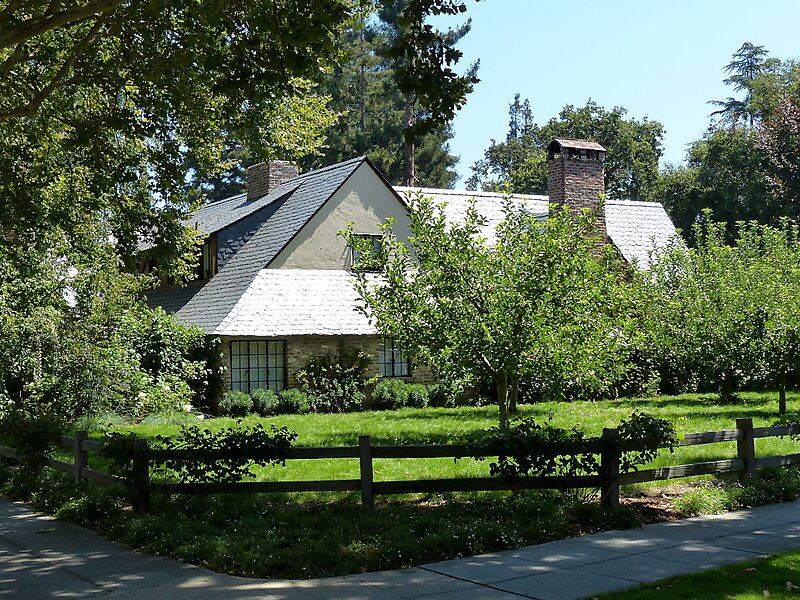 5bc1b25fbec Steve Jobs's House in Palo Alto, California, USA | Sygic Travel