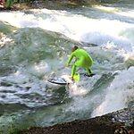 Eisbach-Surfer-Welle Munich, Germany